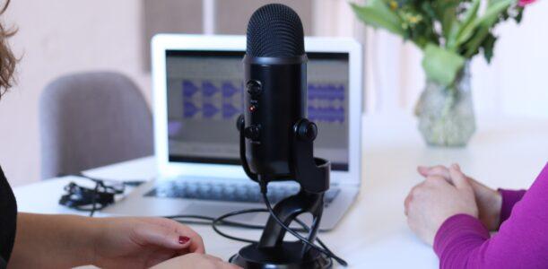 Como Criar Um Podcast: 6 Passos Para Construir Relevância